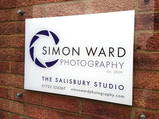 Simon Ward Photography logo